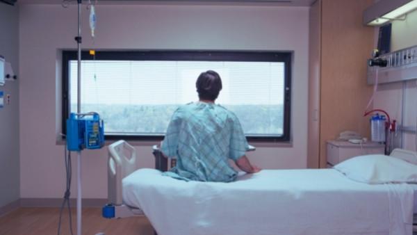 en pasient som er innlagt på sykehus og som senere vil kreve pasientskadeerstatning som følge av skaden påført av helsevesenet